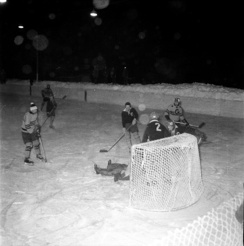 GlifHockeyMålvRäddar195CeIMG