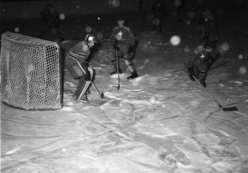 GlifHockeyMörktCeIMG